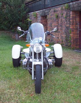 More on 3Wheelers BMW_trike_front